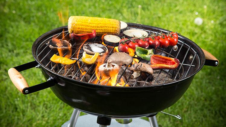 Gebruik je moestuin op de BBQ – De Tuin Op Tafel