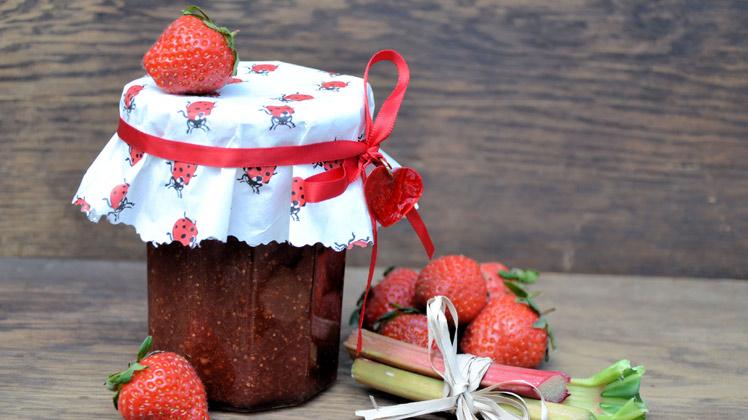 rabarber en aardbeien