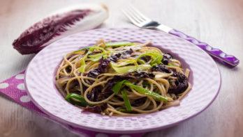 Spaghetti met witlof en prei