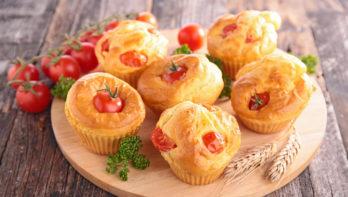 Recept hartige speltmuffins met tomaten en fetakaas